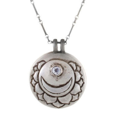 Crown Chakra Amulet with chain - Silver